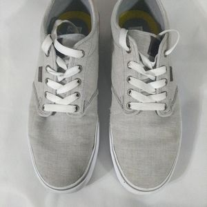 Vans - Classic Skate Shoe Sneakers - Off the Wall